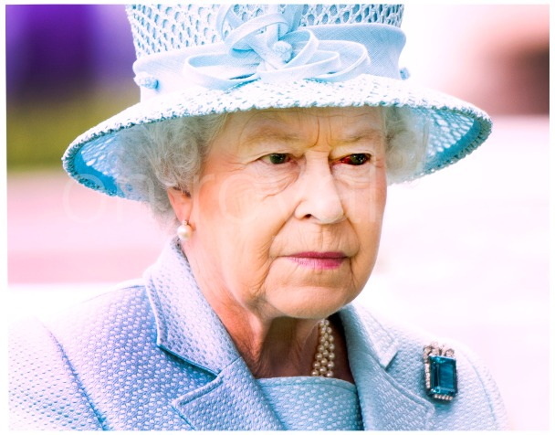 Queen still sports badly bloodshot eye at Royal Ascot